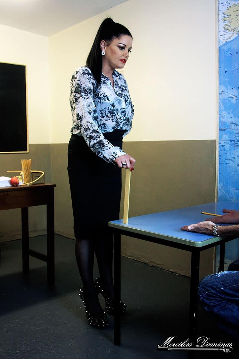 Mistress Sarah Kelly