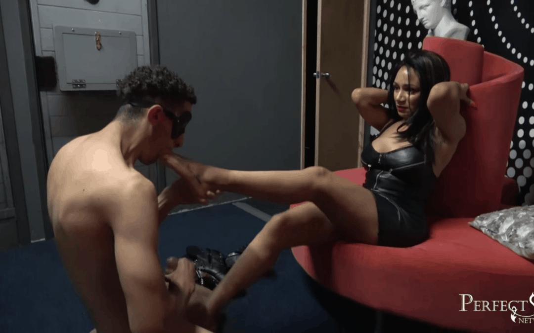 Cum for Me, Slave