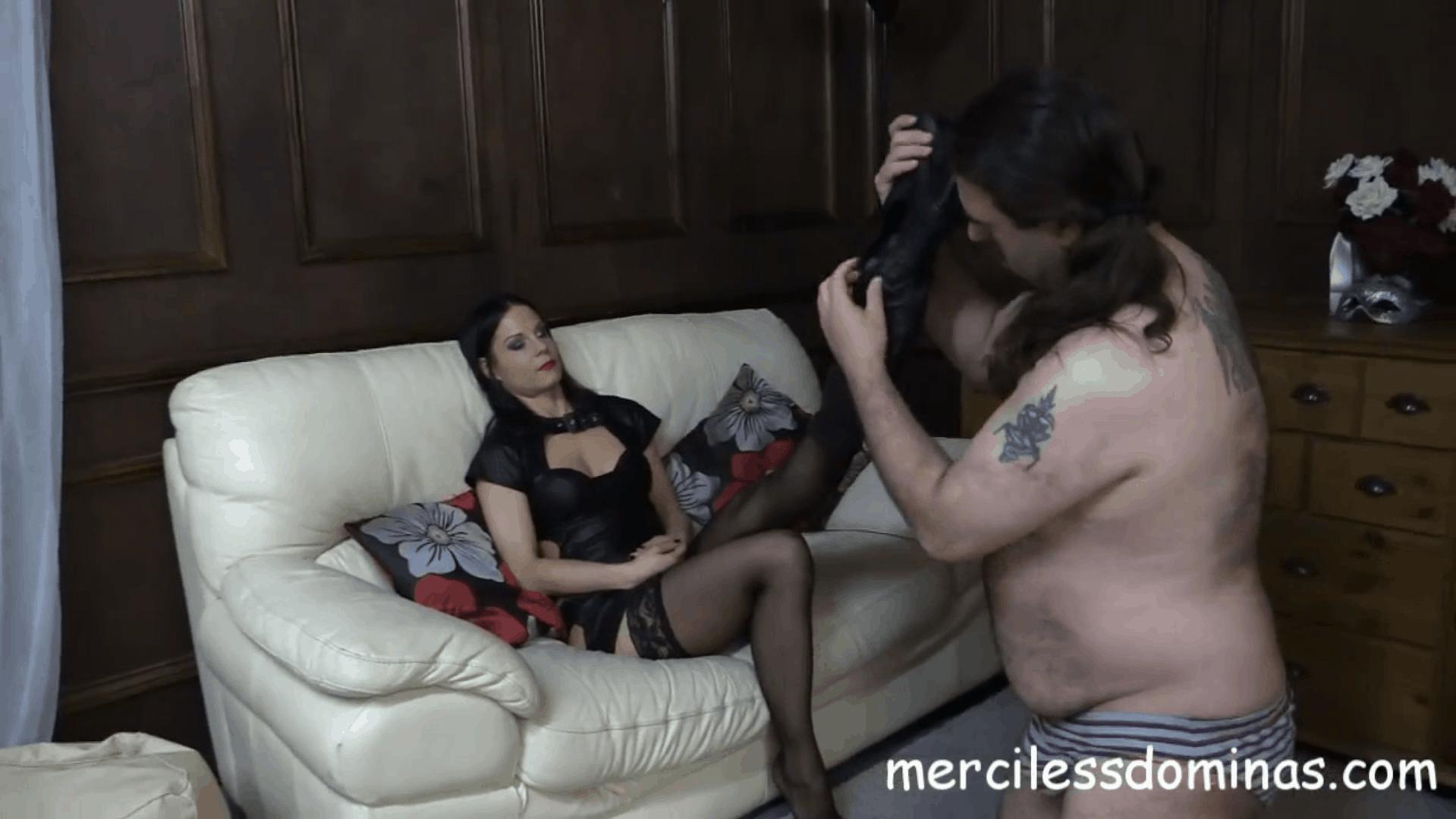Lady G Loves Foot Fetish
