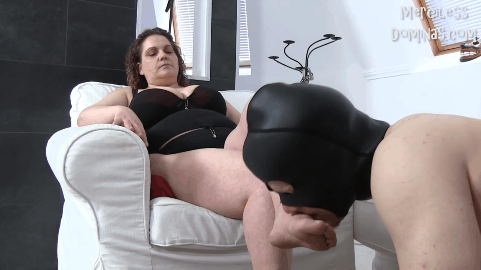 Lady Tiger Enjoy Her Slave