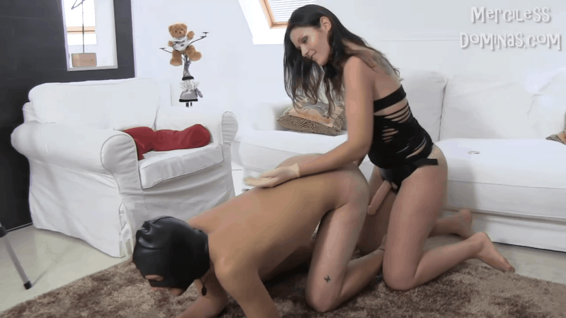 Mistress Alina Enjoys Foot Fetish And Strap-on Fun