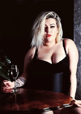 BDSM Mia